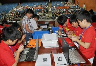 Trường tiểu học Trần Cao Vân vô địch Robothon Đà Nẵng 2015
