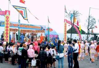 Học sinh lớp 4 & 5 tham quan Lễ hội Cầu ngư quận Thanh Khê