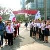 Học sinh CLB Tiếng Anh giao lưu với thủy thủ thuyền buồm tại Cảng Đà Nẵng