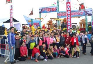 Dự lễ hội Cầu ngư quận Thanh Khê.