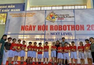 HỌC SINH THAM GIA NGÀY HỘI ROBOTHON 2018