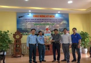 Thăm và chúc mừng Ngày thành lập Quân đội nhân dân Việt Nam