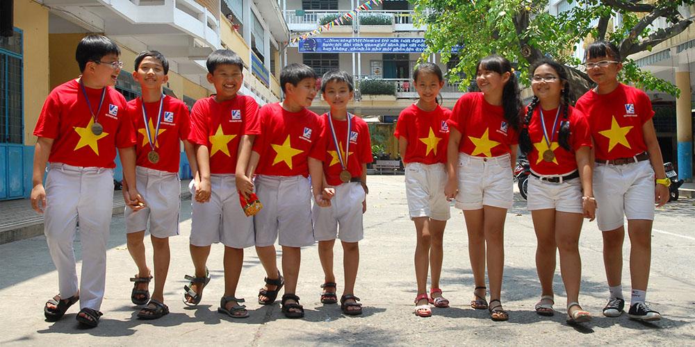 Đội tuyển tham gia hội thi Robotics quốc tế tại Manila - Philipines